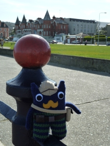 Victorian Explorer Beastie on the Promenade