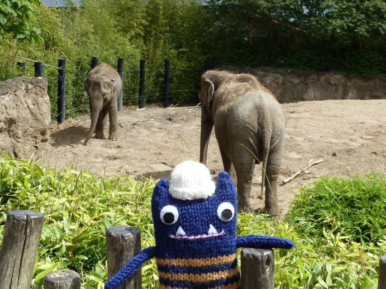 Explorer Beastie with Elephants