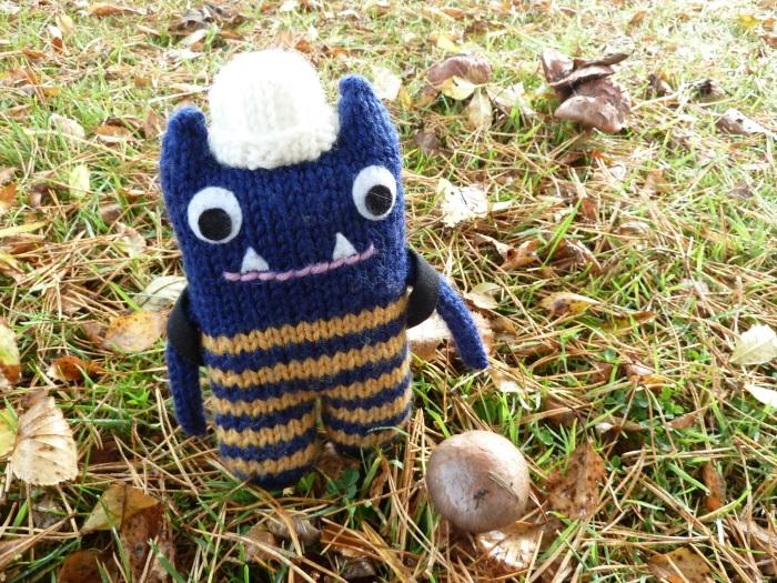 Explorer Beastie with Toadstool