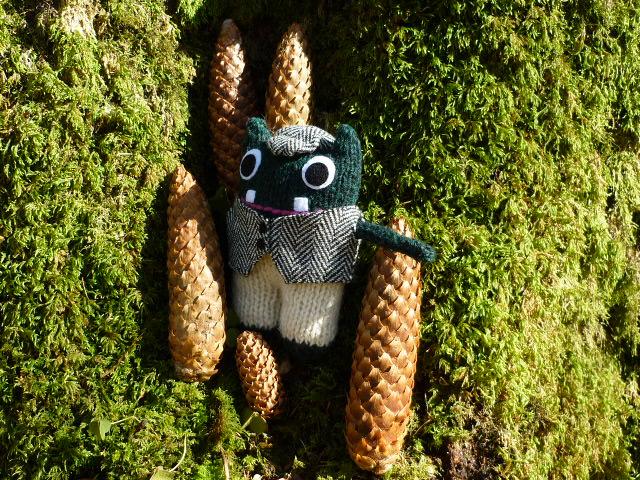 Plunkett's Pine Cones - CrawCrafts Beasties/Heather Crawford
