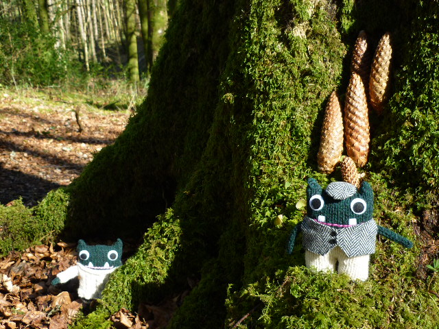 Paddy and Plunkett in Fardross Forest - CrawCrafts Beasties/Heather Crawford