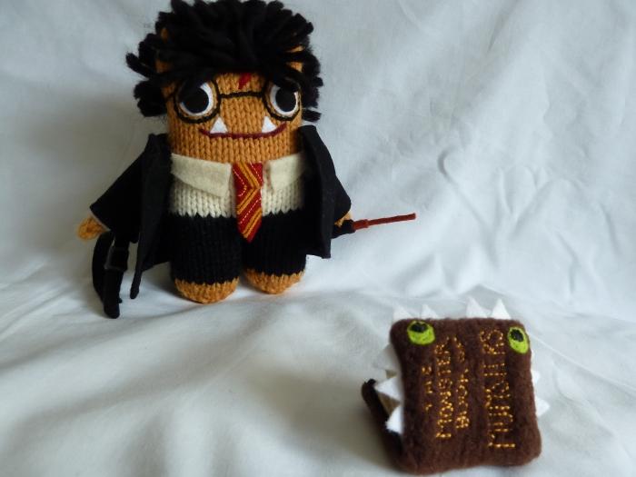 Harry Potter Beastie Recaptures The Monster Book of Monsters! (CrawCrafts Beasties)
