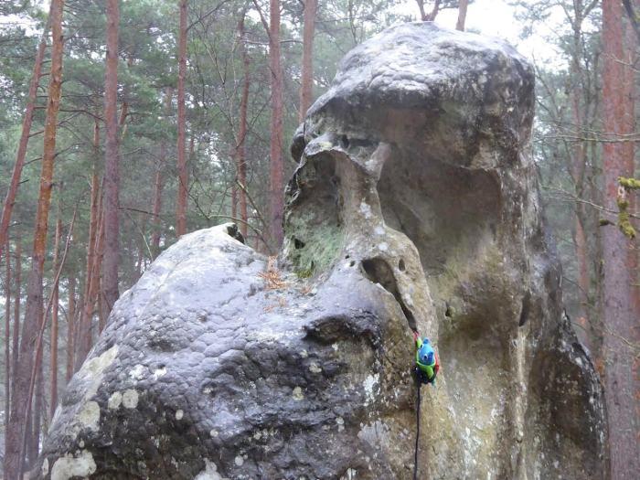 Climber Beastie goes Bouldering - J Donaldson/CrawCrafts Beasties