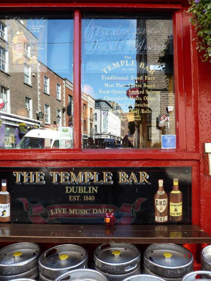 The Temple Bar - CrawCrafts Beasties