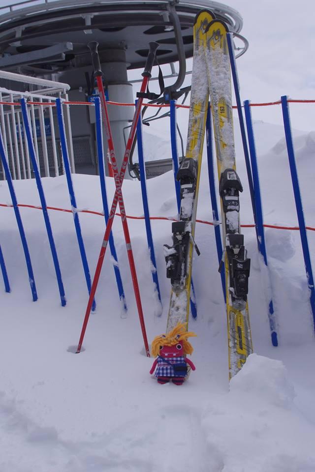 Let's go skiing! Mia Beastie at Kasprowy Wierch - A Szymura/CrawCraftsBeasties