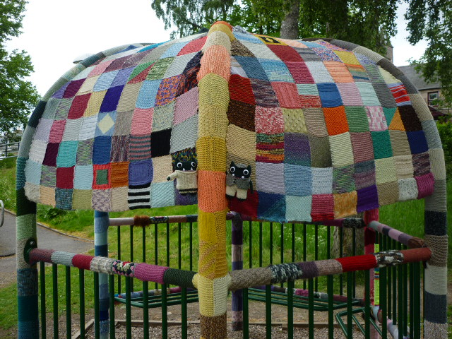 Paddy and Plunkett find some local yarnbombing! H Crawford/CrawCrafts Beasties