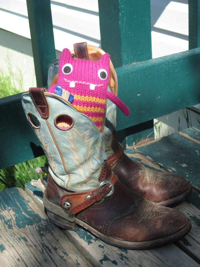 Beastie in Boots - N Couture/CrawCrafts Beasties