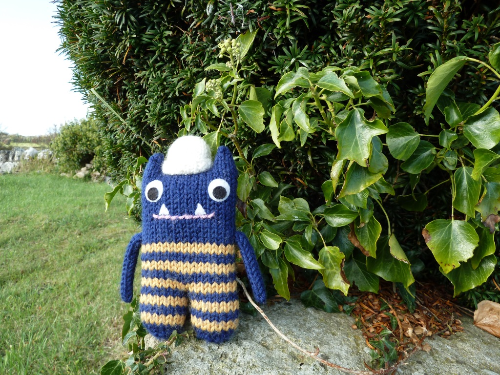 Explorer Beastie Under the Yew Tree - CrawCrafts Beasties