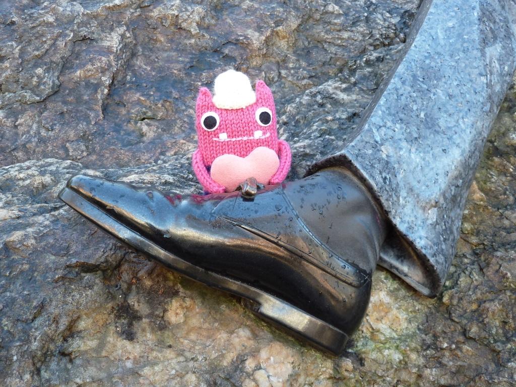 Sweetheart Beastie With Celebrity Foot - CrawCrafts Beasties