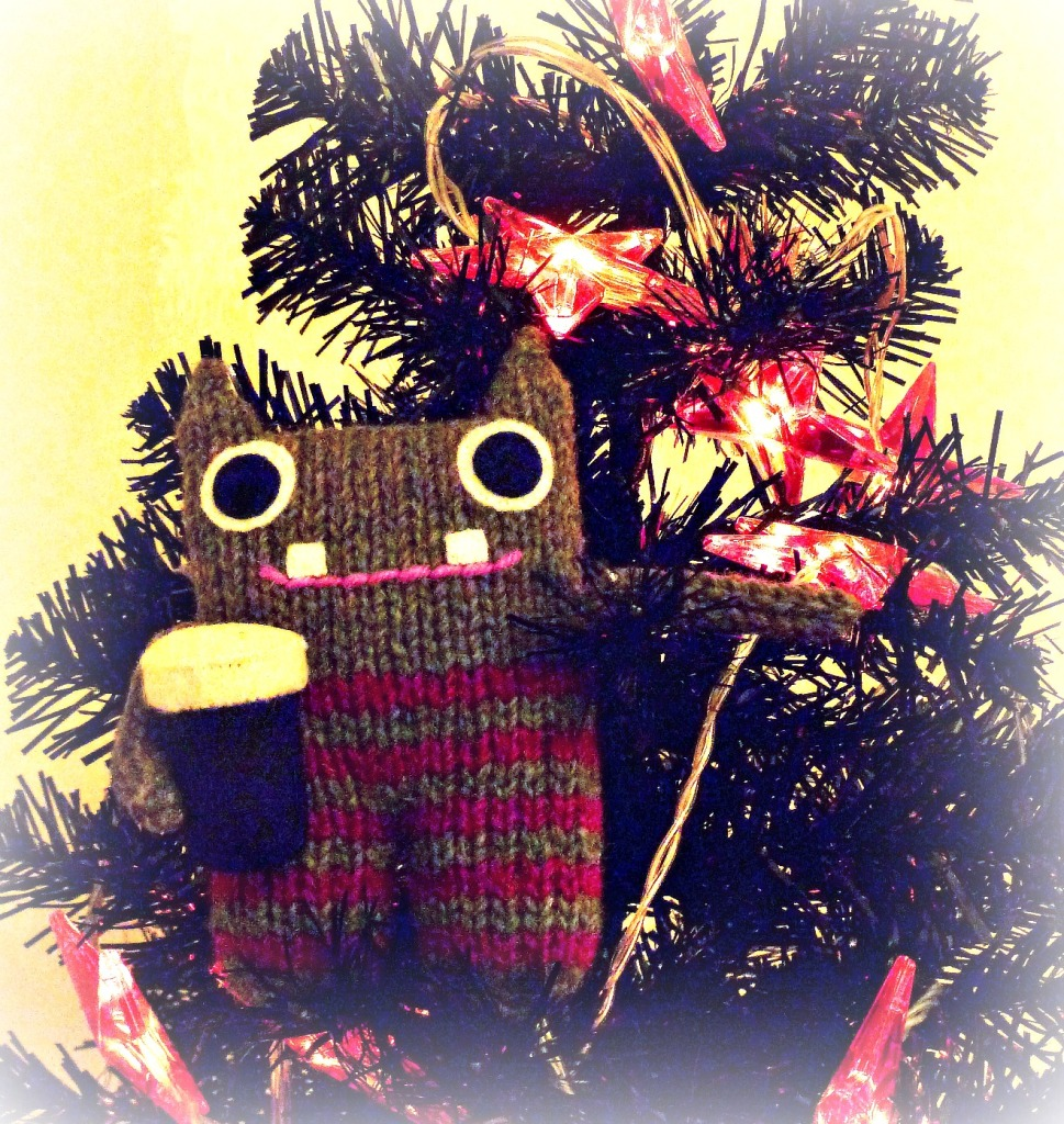 Festive Pint Beastie - CrawCrafts Beasties
