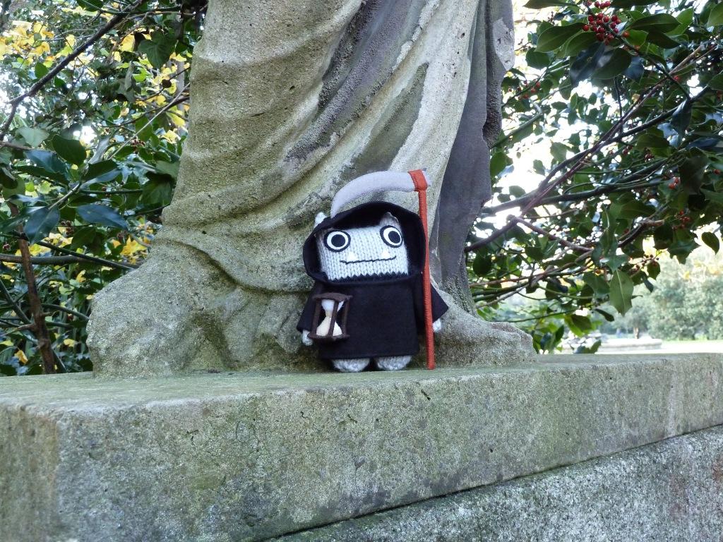 Grim Reaper Beastie with the Statues - CrawCrafts Beasties