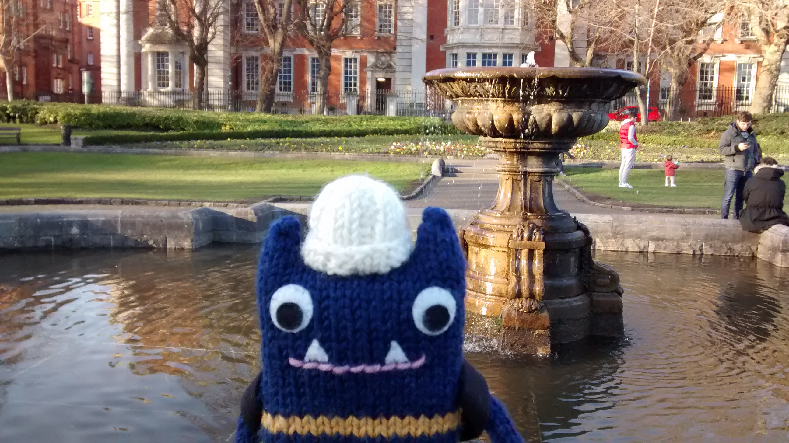 Explorer Beastie at the Fountain - CrawCrafts Beasties