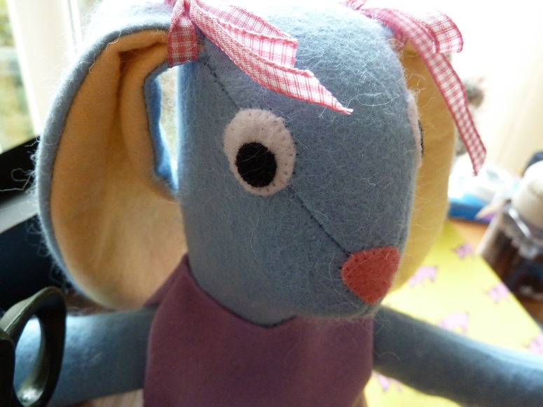 Bunny Closeup (Pattern by Abby Glassenberg) - CrawCrafts Beasties