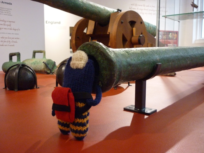 Explorer Beastie and the Cannon - CrawCrafts Beasties