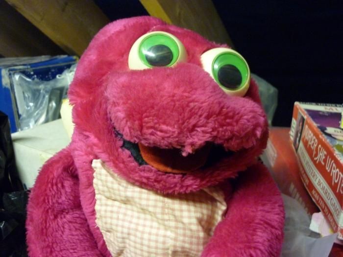 Anita, the Pink Frog Puppet - Vintage CrawCrafts Beasties!