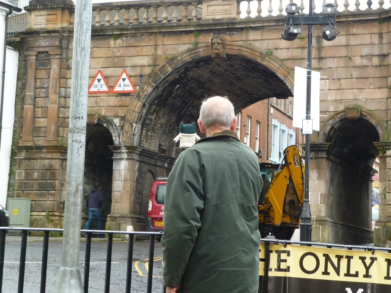 Paddy Takes a Look at the City Walls - H Crawford/CrawCrafts Beasties