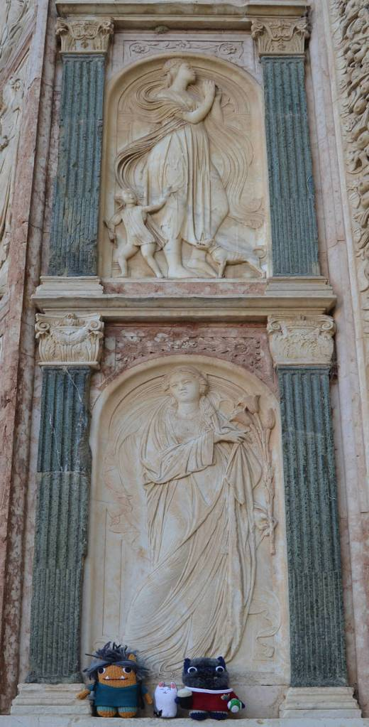 Bas-reliefs at San Bernardino - A de Girolamo/CrawCrafts Beasties