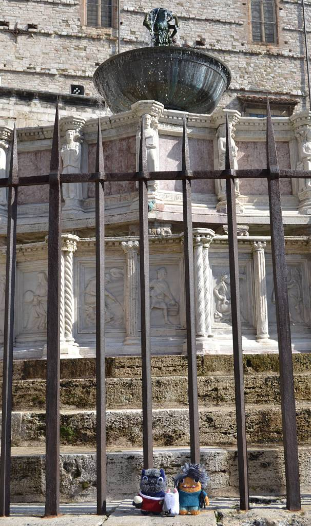 Fontana Maggiore, Perugia - A de Girolamo/CrawCrafts Beasties