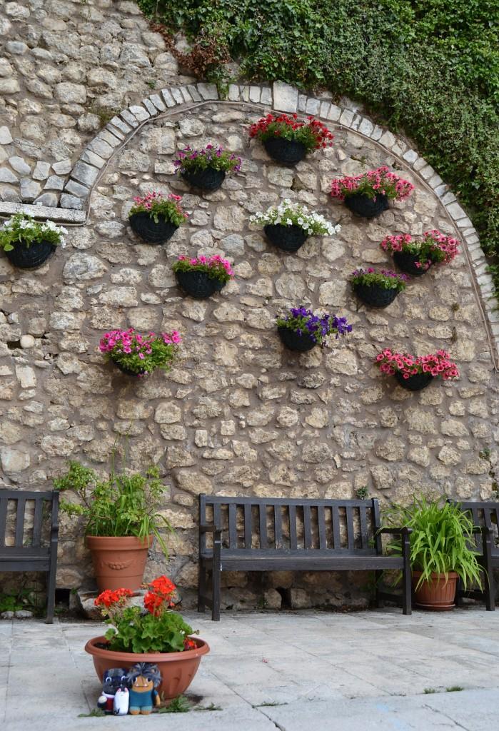 The Floral Wall at Pescasseroli - A de Girolamo/CrawCrafts Beasties