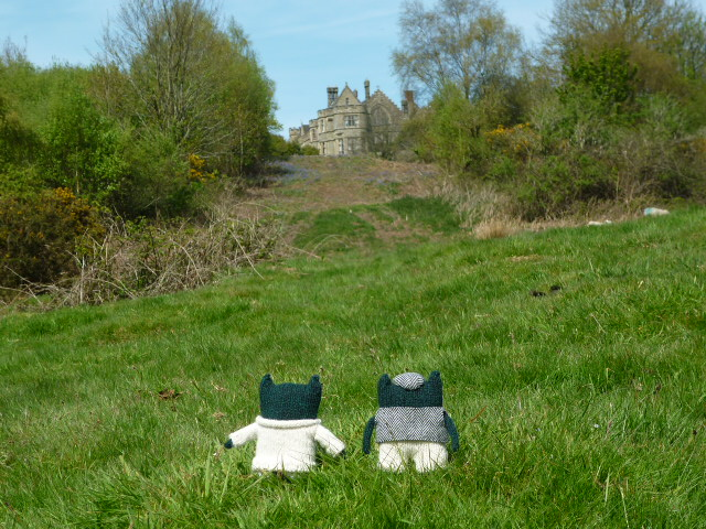 Paddy and Plunkett Catch a Glimpse of English History - H Crawford/CrawCrafts Beasties