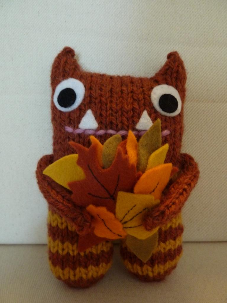 Autumn Leaves Beastie, by CrawCrafts Beasties