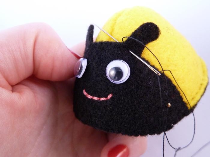 Stitching the Antennae - Bee Tutorial - CrawCrafts Beasties