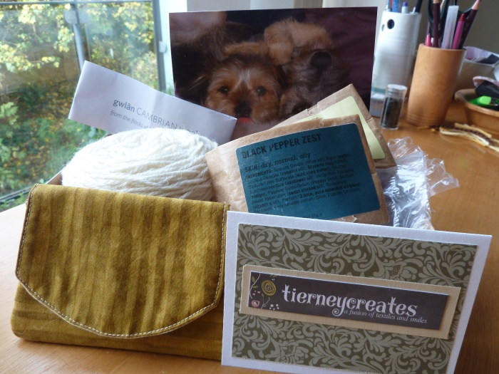 Happy Mail from Tierneycreates and The Snail of Happiness - CrawCrafts Beasties