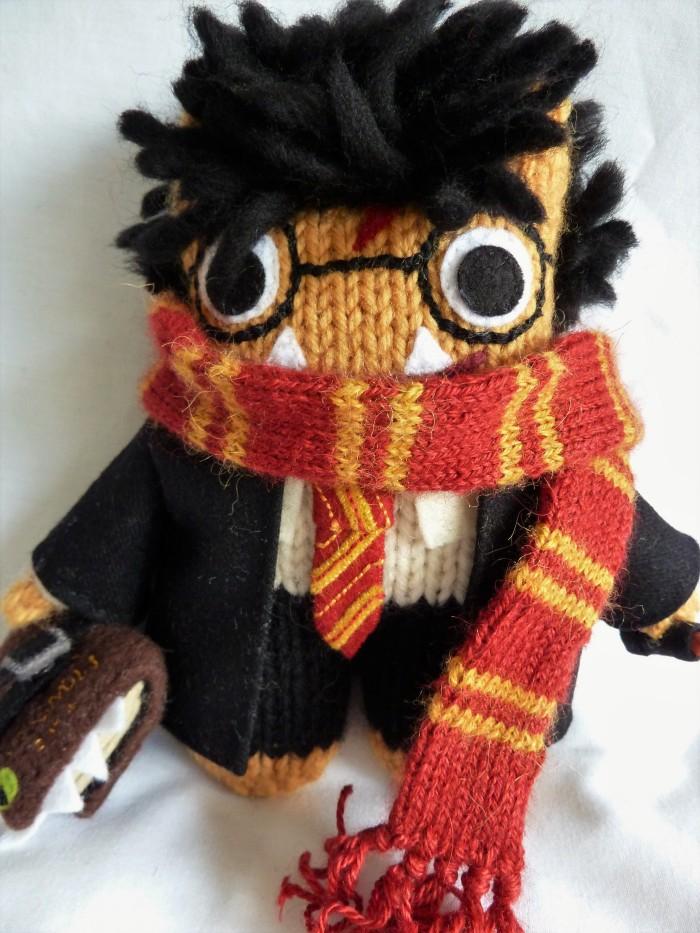 Gryffindor Scarf - Harry Potter Beastie by CrawCrafts Beasties