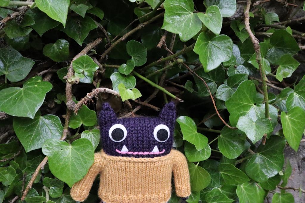 Woolly Jumper Beastie in Ivy - CrawCrafts Beasties