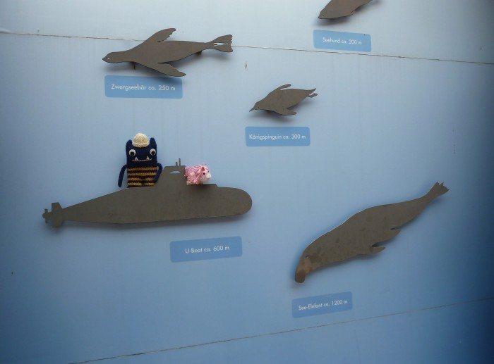 Submarine Cruise at Frankfurt Zoo! CrawCrafts Beasties