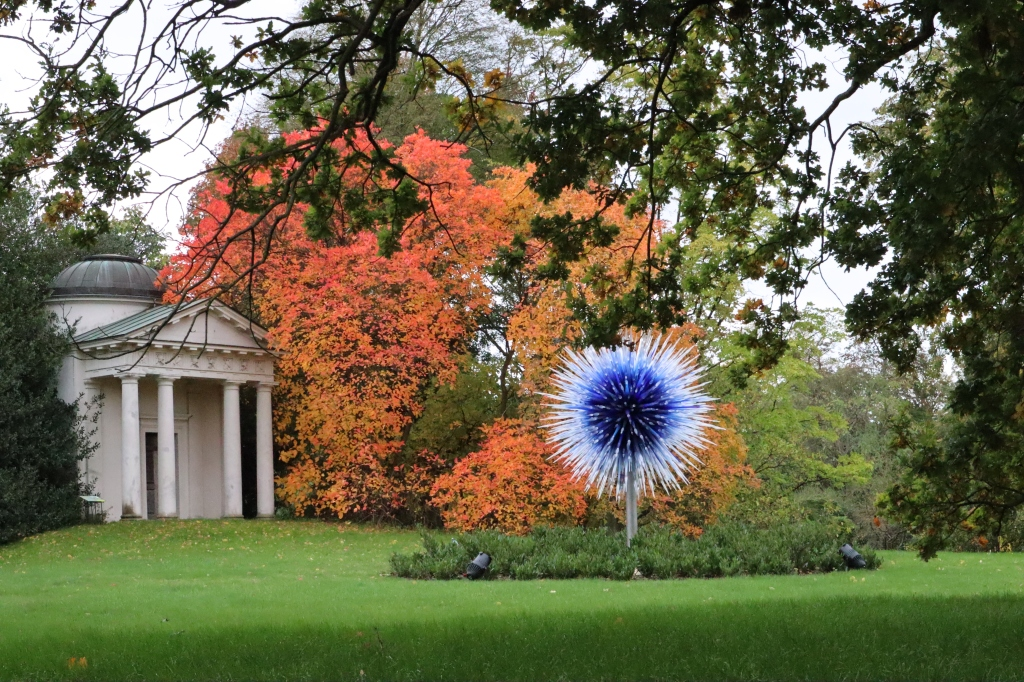 Chihuly Glass and Autumnal Colours at Kew - CrawCrafts Beasties