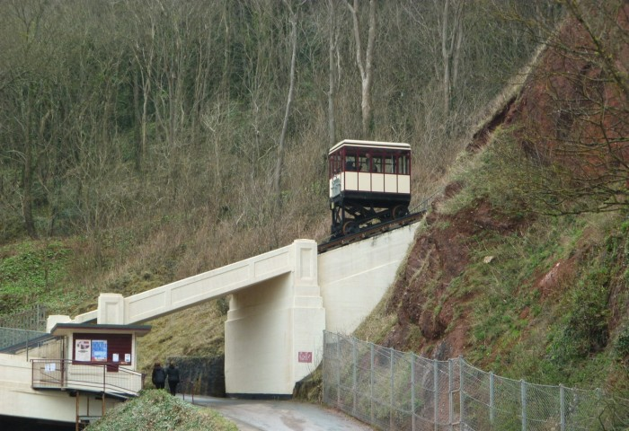 The Babbacombe Cliff Railway in Action - H Crawford/CrawCrafts Beasties