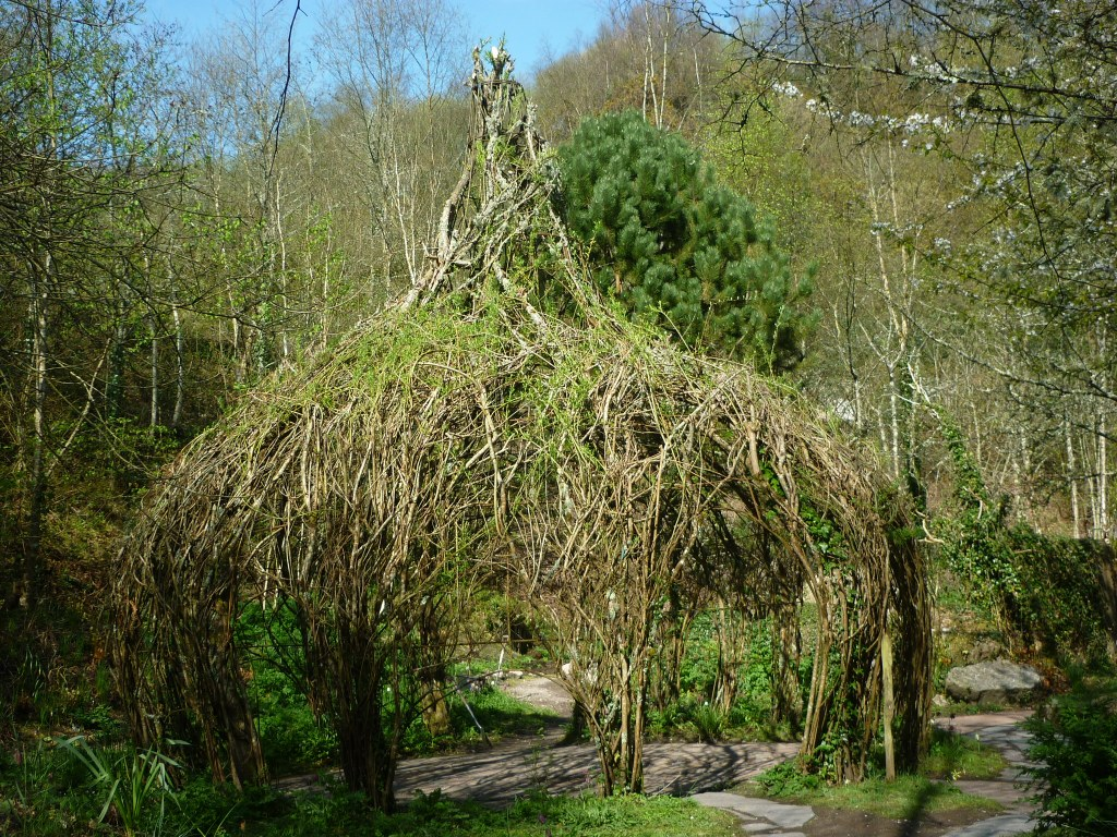 Willow Dome in the Eden Project Grounds - H Crawford/CrawCrafts Beasties
