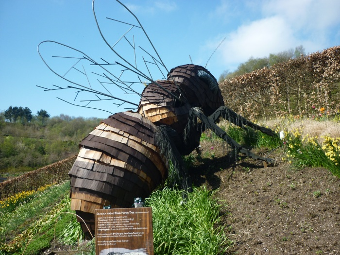 A Giant Bee at the Eden Project! H Crawford/CrawCrafts Beasties