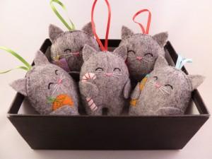 Tree Ornaments in Box - Cat Tree Decorations - CrawCrafts Beas