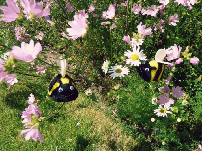 Busy Buzzy Bees - CrawCrafts Beasties