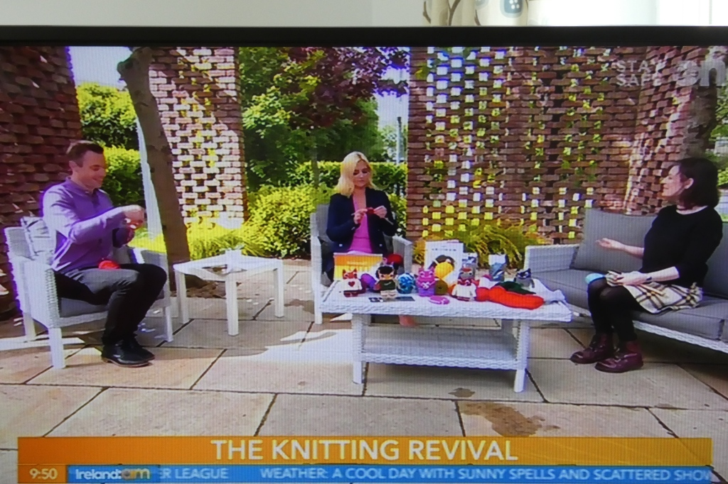 Teaching Knitting on live TV! B Crawford/CrawCrafts Beasties