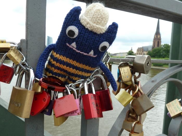 Love Locks on Eiserner Steg, Frankfurt - CrawCrafts Beasties