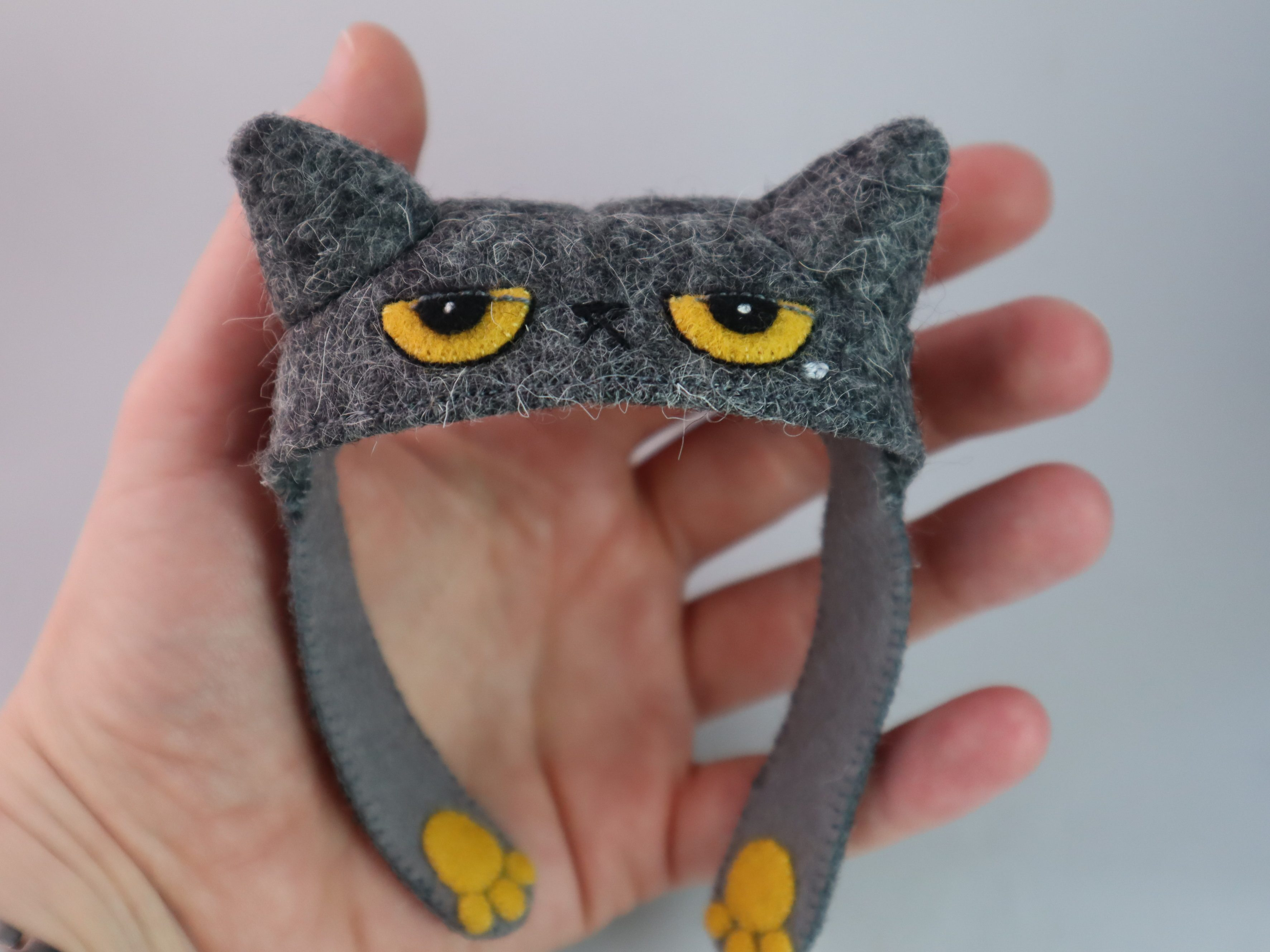 A Cat Hat... For a Beastie! CrawCrafts Beasties
