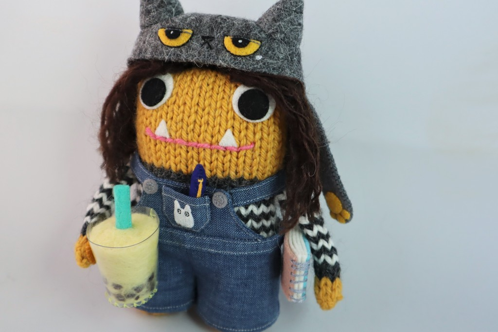 Beastie with all her accessories - Commissions by CrawCrafts Beasties